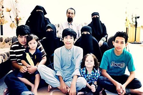ustaz azhar poligami